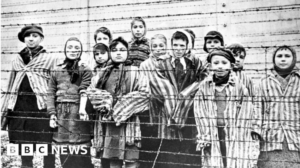 Stripped women in holocaust