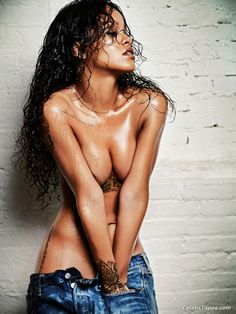 Rihanna naked shower pictures