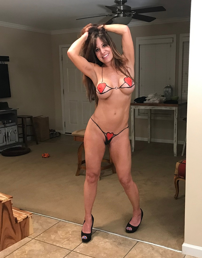 Sexy young celebs nude
