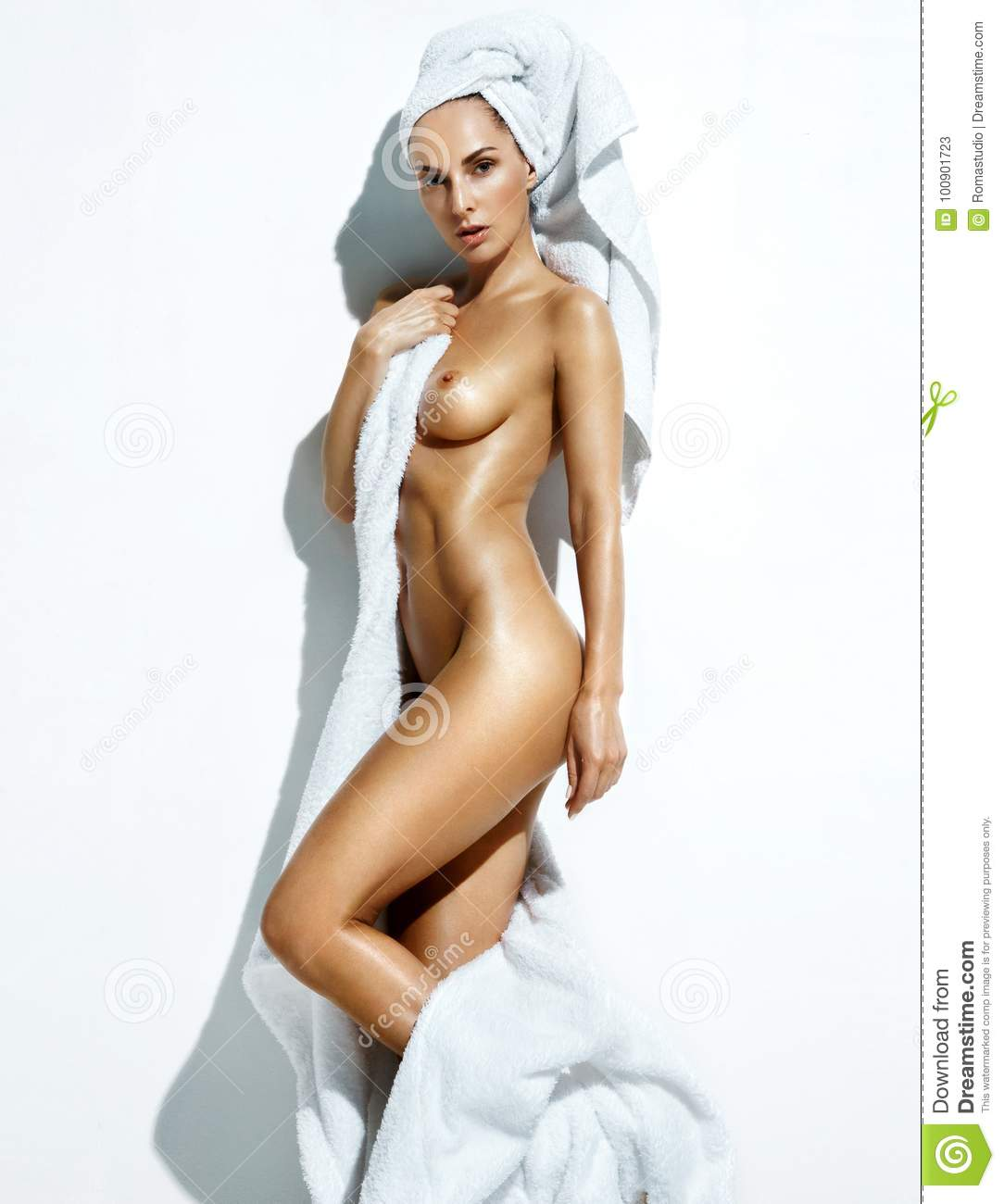 Sexy nude women perfectly tanned