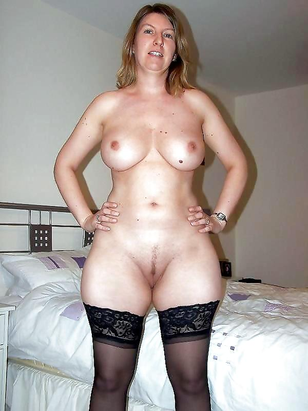 Wide hips nude pic